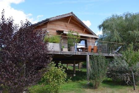 Maison en bois neuve près Dordogne et Rocamadour - House