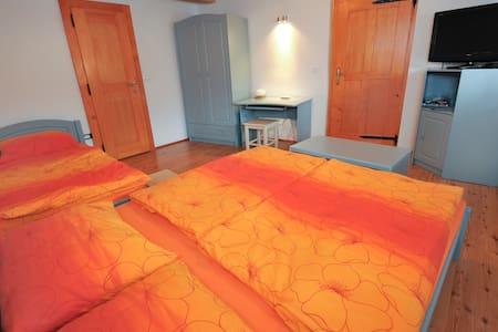 Apartments Tonkli - Logje