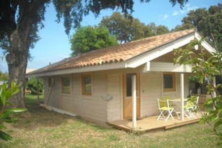 maison en bois au calme corse - Santa-Lucia-di-Moriani