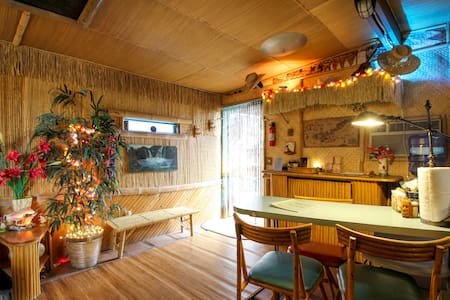 The Tiki Hut in Pioneertown, by Pappy & Harriet's - Pioneertown