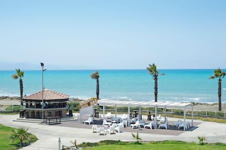 Great Family Beachfront Getaway for kitesurfers - Gaziveren
