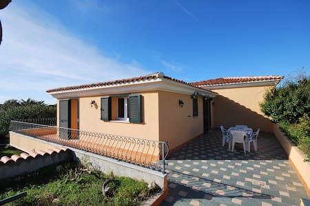 Villa sul mare in Res. con piscina - Santa Teresa gallura - Villa