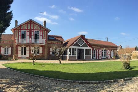 Maison anglo normande - House
