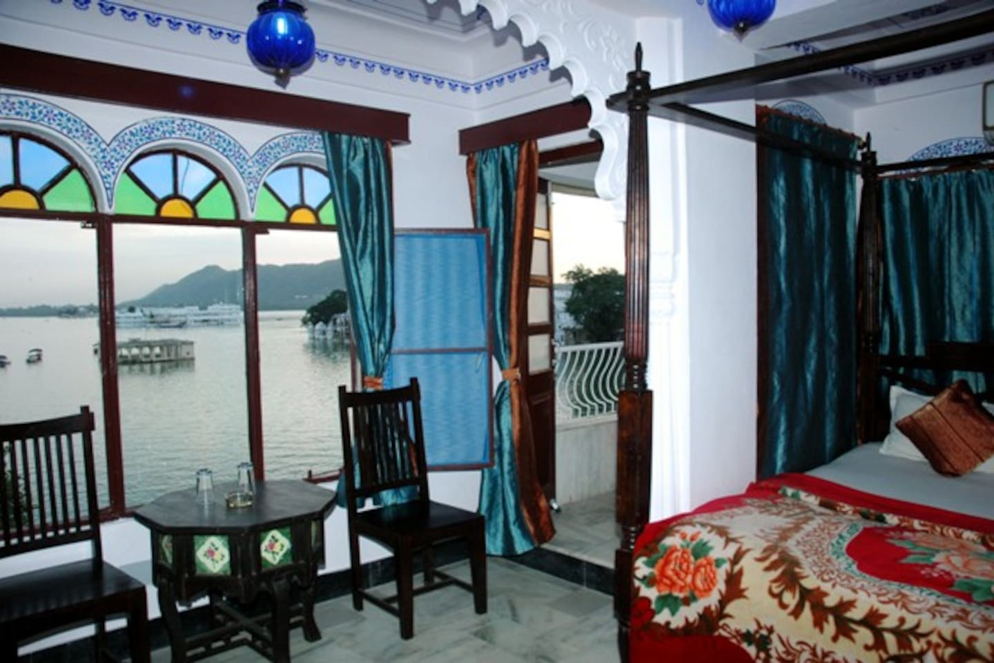 This is superior lake facing Deluxe A/C room with Private balcony over looking lake Pichola @ Rs 3000=00