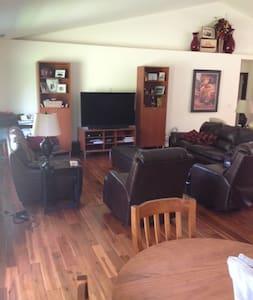 Spacious 1-yr old home near USOpen