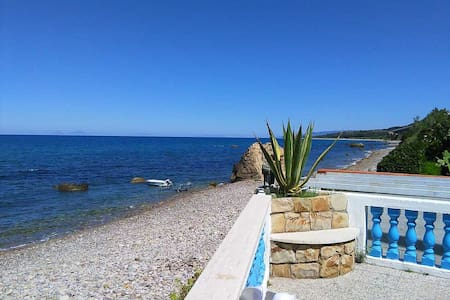 Splendida villa di fronte al mare - Talo