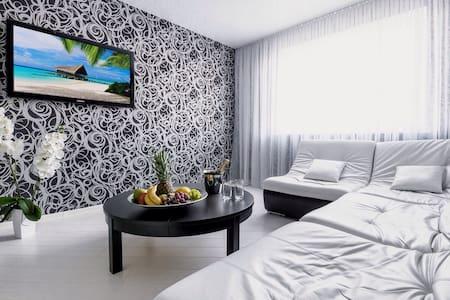 Новые VIP -апартаменты 10 мин.центр - Минск - Appartement