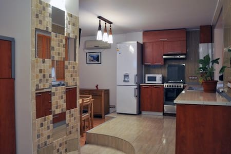 Linda Residence, ap.70, balcony with Danubius view - Appartement