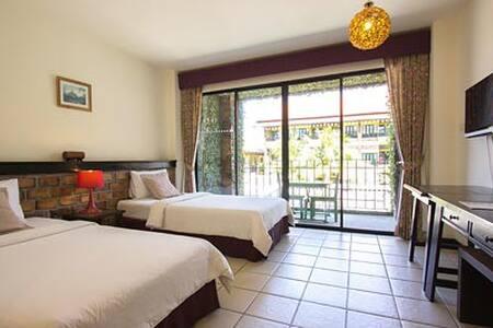 Twin Bed Room Free Breakfast