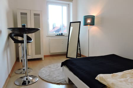 Nice, Sunny, Central room in Munich - Monaco - Appartamento