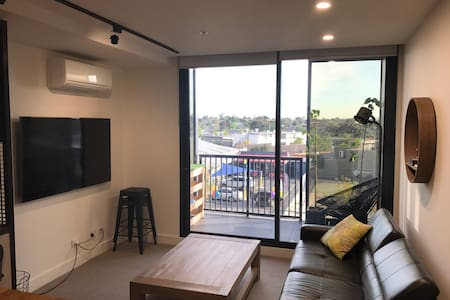 Essendon 2 Bedroom apartment - fully furnished - Wohnung