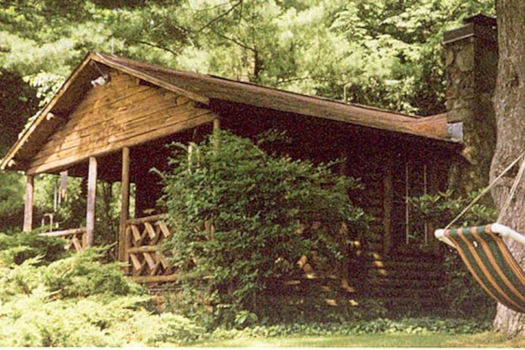 Romantic hudson valley log cabin cabins for rent in for Hudson log