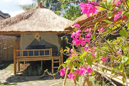 Amazing bamboo houses at Canggu (M)