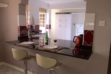 2 Bedroom 2 Bath Furnished Apartment in Nairobi - Apartment