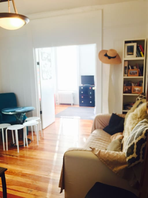 Cosy apt 3 steps from Central Park!