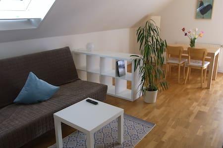 Moderne, helle Ferienwohnung - Lägenhet