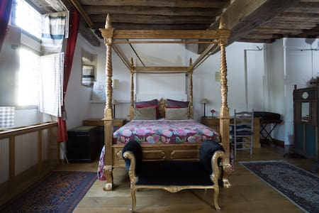 Les Trois Maillets Listed Building - Orléans - Bed & Breakfast
