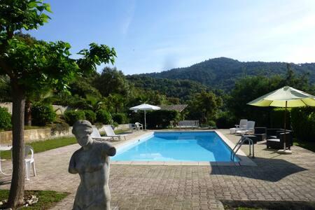 Auriebau Villa with access pool - Peymeinade