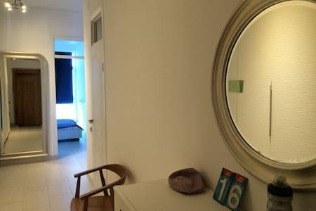3-х комнатная кв. на берегу моря - Apartment