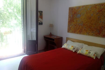 Sunny double room in Barcelona