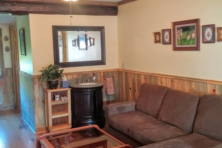 Birds' Paradise: Modern Log Cabin Unit- The Gorge - White Salmon - Daire