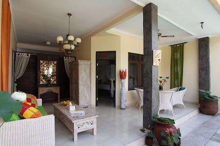 An elegant 2 Bedroom Villa Seminyak