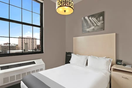 The Union Hotel and Bed & Breakfast celebrates Brooklyn. Built with 19th century brick and mortar, The Union pays tribute to the factories and warehouses that built New York into the greatest city in the world.