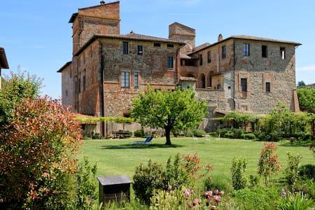 APPARTAMENTO IN ABBAZIA a Perugia - Schloss