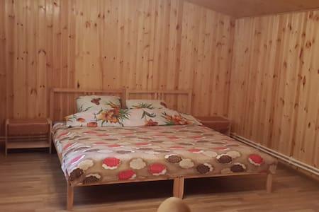 Двухуровневый номер в новом доме. - Aprelevka - Bed & Breakfast