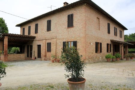 Lovely Tuscan Country House - Siena - Siena - House