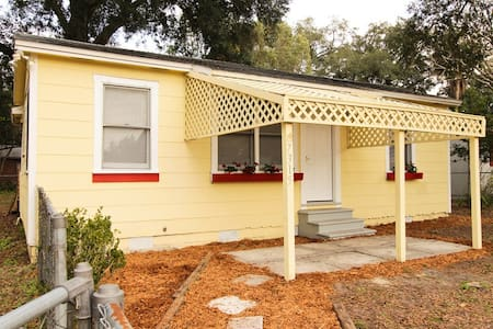 2 Bedroom Fenced Yard for Your Dog