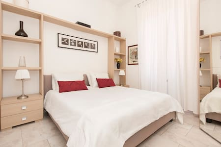 ROMAN HOLIDAY CITY CENTER APARTMENT