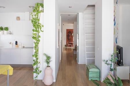 Buhardilla con encanto en centro ciudad - Valencia - Apartment
