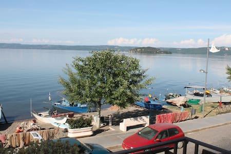 Appartamento vacanza lago Bolsena - Huoneisto