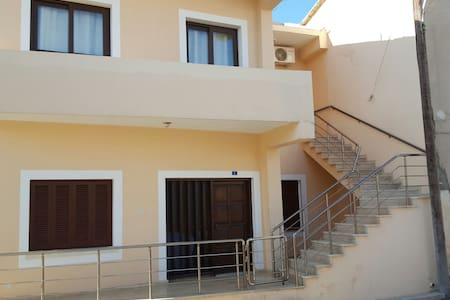 Flat in old town Famagusta. - 아파트