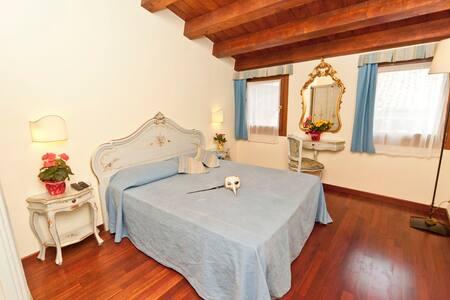 Romantic mini suite_great position