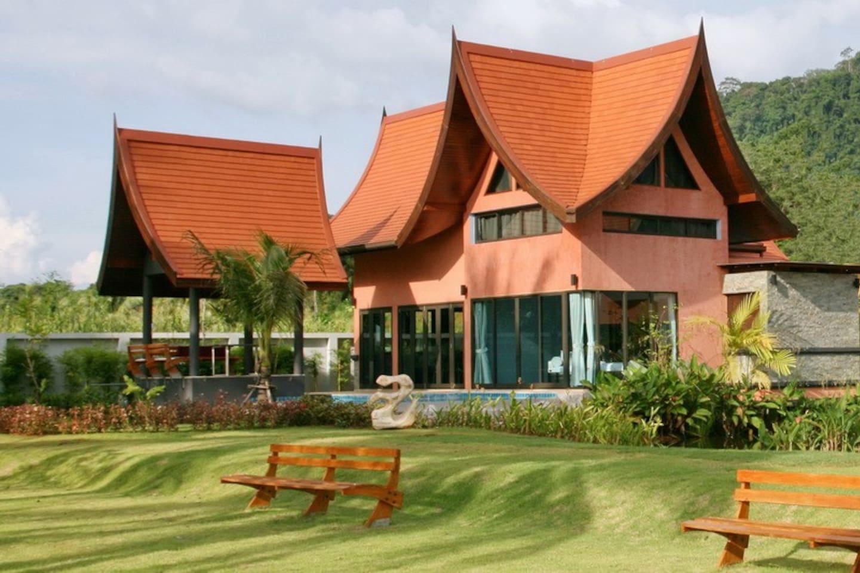 Villa Chaba Pink; Sea Front Villa