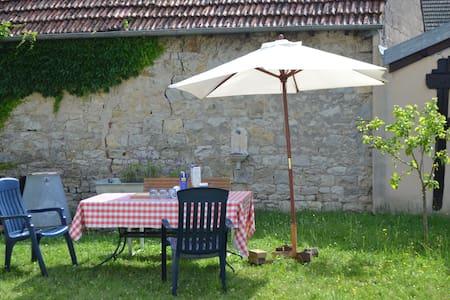 Chez la Tante Anna - Burgundy - Bourgogne - Heuilley-sur-Saône - House