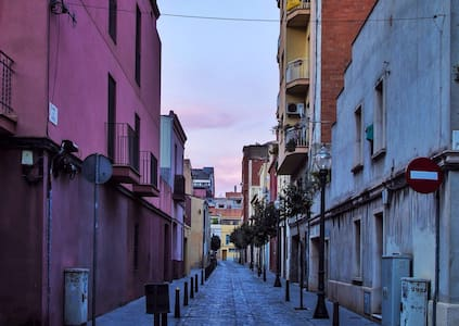 LARGEBedroom 15´ to SAGRADA FAMILIA - Barcelona