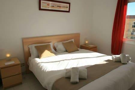 DOUBLE ROOM NEAR BEACH-CENTRE WiFi - Apartment