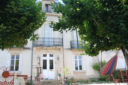 Maison de maître du 19éme siècle - Barbirey-sur-Ouche
