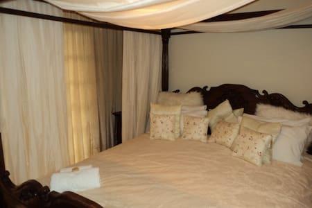 Macnut Farm Deluxe room - Bed & Breakfast