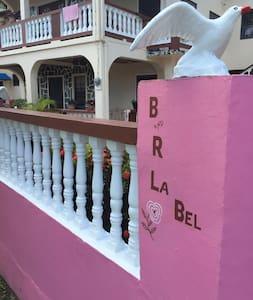 B & R La Bel Guesthouse - Lakás