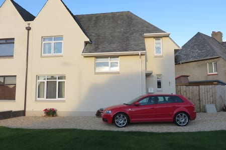 Beauty on a budget! Ayr - Impressive 3 bed house. - Hus