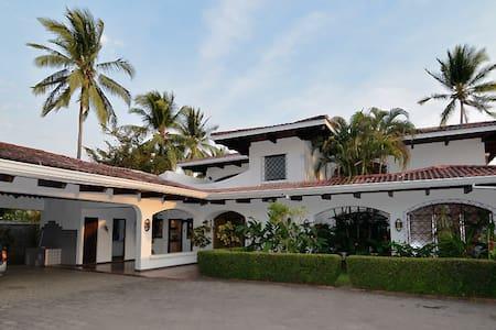 Villa Cantamar - Puntarenas - House