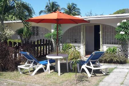 Cozy Holetown Apartment, St. James - Holetown - Appartement