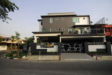 I-homey Guesthouse - Alor Setar