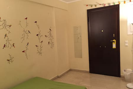 Central, walk to all sites.Bargain! - Athens - Apartment