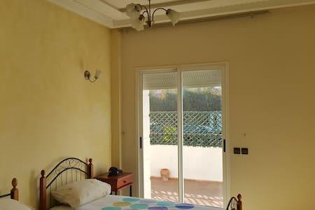 Maison de charme avec grande terrasse et piscine - Casablanca - Appartement
