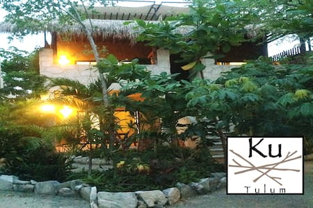Ku Tulum PH is Brand new and beautiful apartment. Located in a Wonderful location in the heart of Tulum Town, Right beside the Best Restaurants Tulum has to offer, and still being just off the main avenue to provide a Comfortable and Tranquil Vibe.